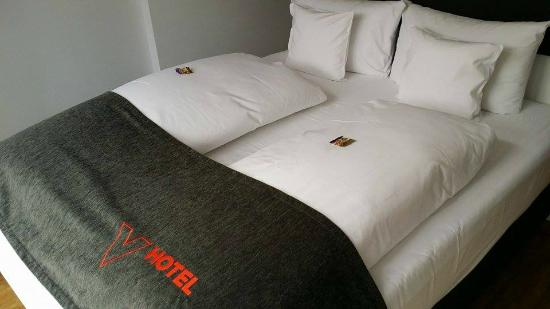 V-Hotel : Bed