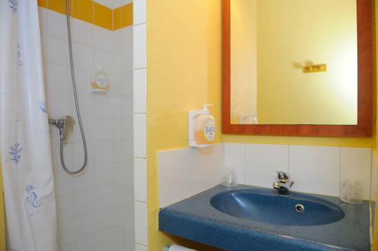 Hôtel Altica Sarlat: le coin douche