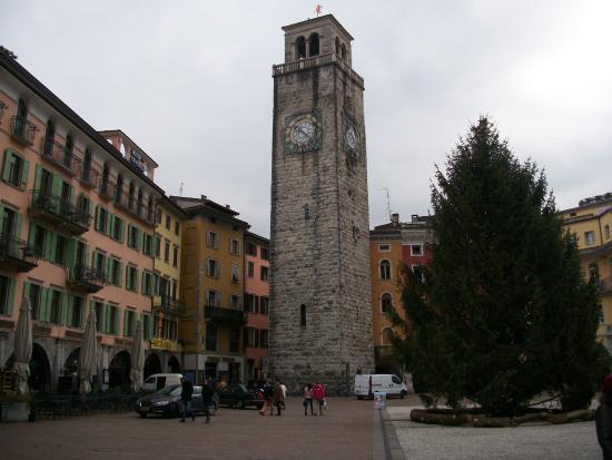 Centrale Hotel -- Riva Del Garda : torre dell'orologio
