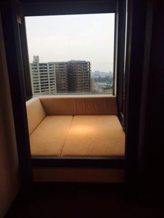 Ryotei Matsubaya: 梅ケ枝の出窓にあるデイベッド