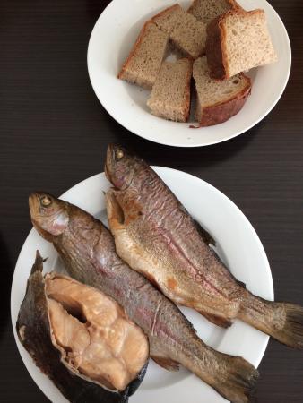 Как коптить рыбу горячего копчения: подготовка продукта, выбор ... | 450x338