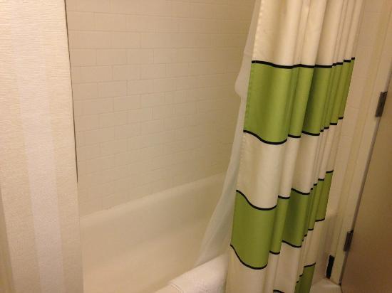 Fairfield Inn & Suites: Bath