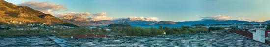Πέραμα, Ελλάδα: Θέα της λίμνης των Ιωαννίνων από την σουίτα 15