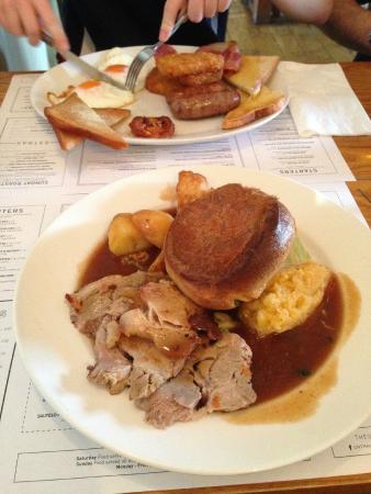 Unthank Arms Bar & Restaurant: Roast Pork