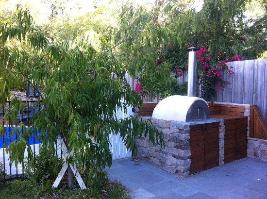 Lanterns Retreat: The pizza oven