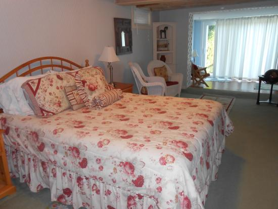 Cranberry Hill Inn : Captain Mayo Suite