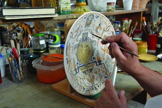Decorazione di piatto picture of ceramiche torretti for Decorazione ceramica