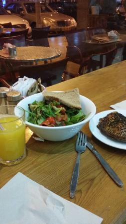 Dominik: Antipasti salade and samousak or empanada and orange juice
