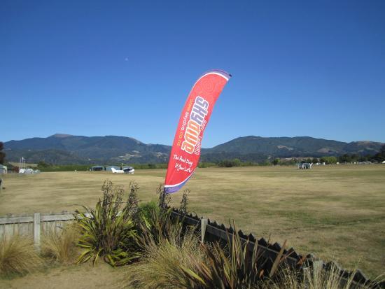 Skydive Abel Tasman: Flag and moon