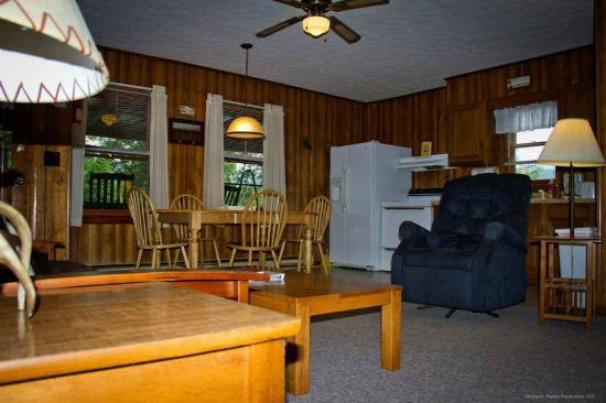 Sunset Farm Cabins: Inside our Deer Cabin