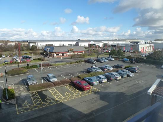 Holiday Inn Express Derby Pride Park: View from room overlooking car park
