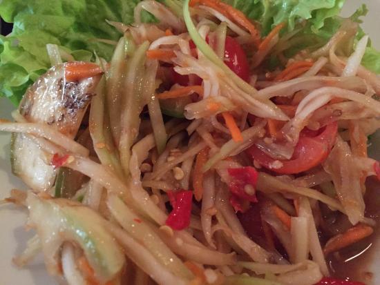 Aux 3 elephants : Papaya Salad Lao Style