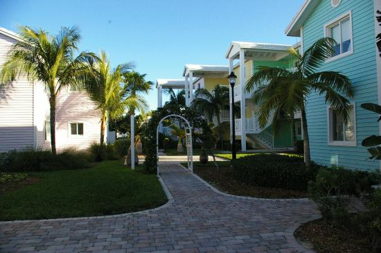 Bimini: view of typical apartments and landscaping