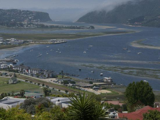 Blue Oyster B&B: View of the Knysna lagoon from the Inn
