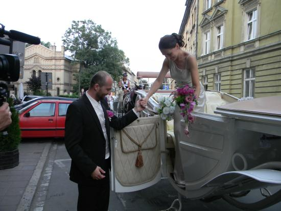 Hotel Kazimierz II : The newlyweds arrive back at the hotel