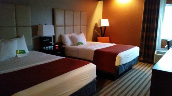 La Quinta Inn & Suites Harrisburg Airport Hershey: Номер - 2 Queen кровати