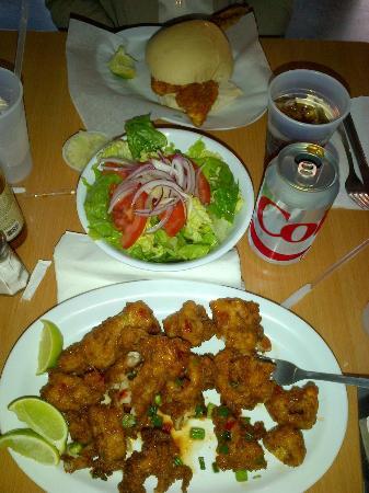 La Camaronera Fish Market: Snapper Sandwich and Sweet Chilli Seafood
