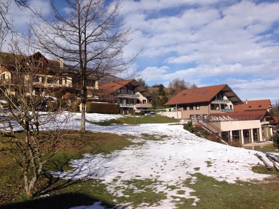 Résidence hôtelière spa les chataigniers : Good location for skiing and sightseeing