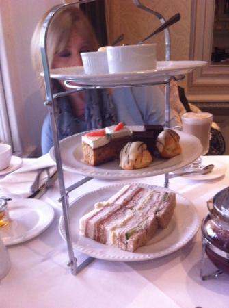 Brandshatch Place: afternoon Tea