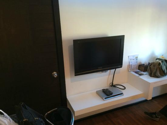 The Mini R Ratchada: entertainment set (with dvd player)