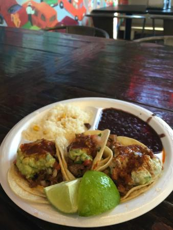 DJ's Taco Bar: Tacos with rice and beans