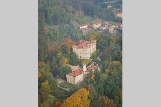 Castello di Montecavallo B&B