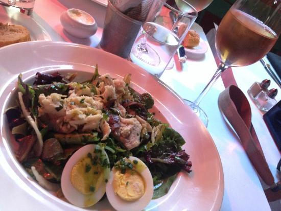 Cafe Claude: salad