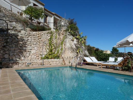 Hospederia Bajo el Cejo: Fachada piscina