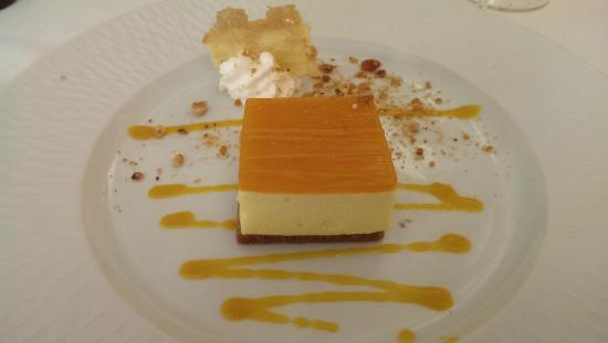 La Vieille Auberge : Dessert (crumble citron et mousse mangue)