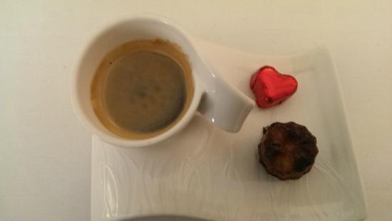 La Vieille Auberge : Café et mignardises