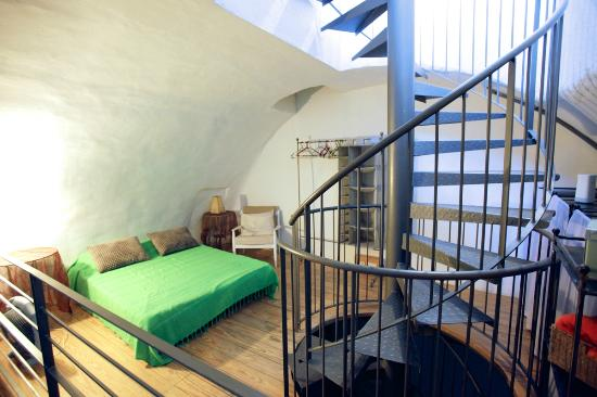 Magas House Jerusalem Vacation Accommodation: The Cellar