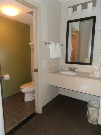 Sleep Inn & Suites Niantic CT 6