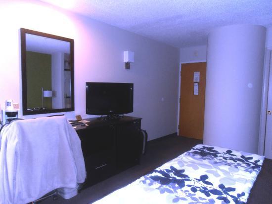 سليب إن آند سويتس: Sleep Inn & Suites Niantic CT 1