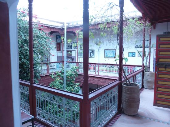 Riad Chorfa : A view of the upper storey patio railing