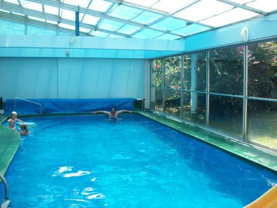 Apart Hotel Punta Azul: Piscina calentita