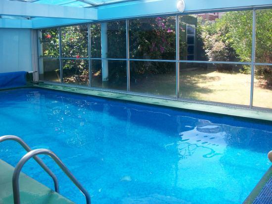 Apart Hotel Punta Azul: zona de piscina