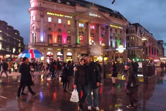 Piccadilly Circus: .