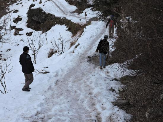 Arjun Gufa: Route to Arjuna Cave
