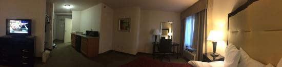 Hotel Chino Hills: room