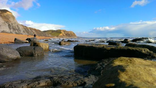 Hell Barn Cottages : Seatown Beach