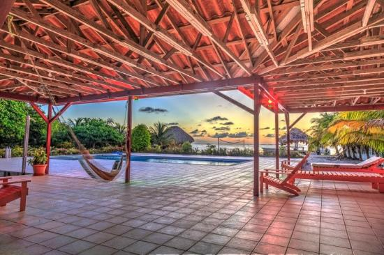 St. George's Caye Resort: Sparkling saline swimming pool available 24/7