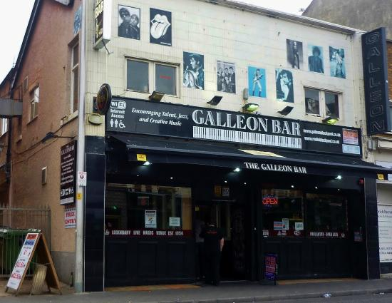 ‪Galleon Bar‬