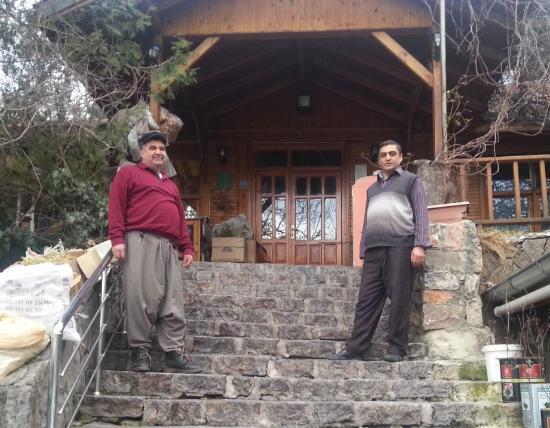 Pozanti, Turquía: Nalbant Hasan ve tesis müdürü