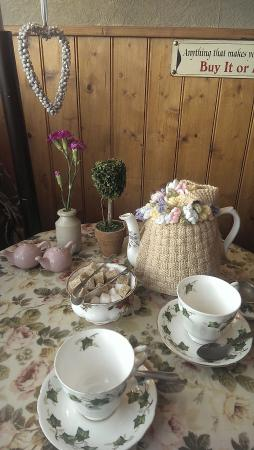 Strand Teahouse and Eatery: Table Setting