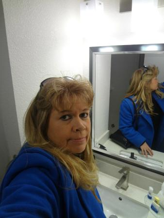 Best Western Plus Hanes Mall Hotel : Me in the bathroom, getting ready to leave