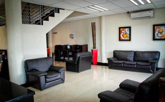 Hotel Portonovo Plaza: Lobby