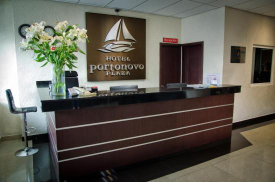 Hotel Portonovo Plaza: Recepetion