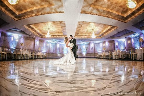 The Wilshire Grand Hotel: Ballroom Bride & Groom