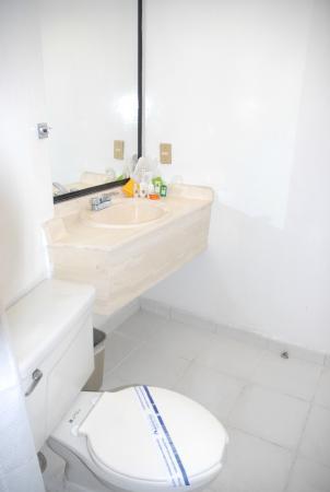 Hotel Aranzazú Centro Historico: Baño piso estandar