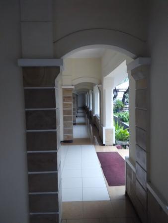 Hotel Pelangi Malang: Lorong Hotel